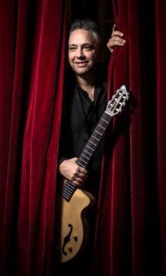Francesco Buzzurro sul palco